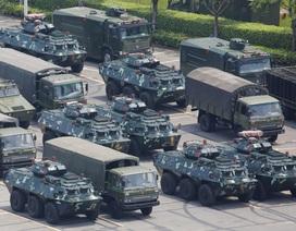 Cảnh sát vũ trang Trung Quốc diễn tập quy mô lớn sát Hong Kong