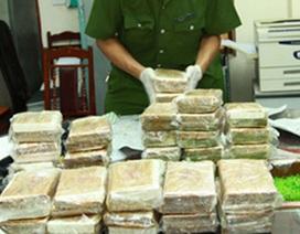 """""""Giao dịch"""" gần 17kg ma túy đá tại cổng bệnh viện Chợ Rẫy"""