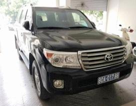 Giảm giá, xe biển xanh tặng Văn phòng Tỉnh ủy Nghệ An vẫn chưa bán được