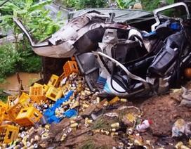 Xe tải tông vào nhà dân, 2 người tử vong