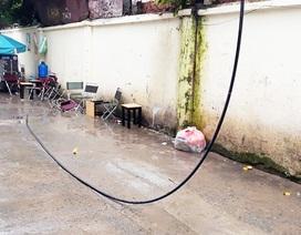 Bị dây điện rơi trúng người tử vong khi đang ngồi uống cà phê