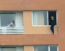 Người đàn ông quốc tịch Pháp định tự tử từ tầng 7 khách sạn