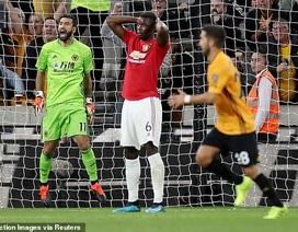 Wolves 1-1 Man Utd:  Pogba bỏ lỡ quả phạt đền