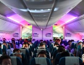 Hành khách ngỡ ngàng khi được trải nghiệm máy bay Boeing lớn nhất thế giới vừa về Việt Nam