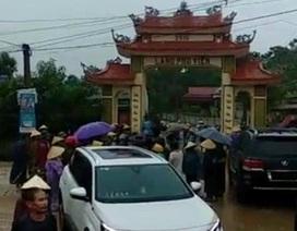 Vụ côn đồ phá cổng làng bị dân bao vây: Liên quan mỏ đất gây ô nhiễm