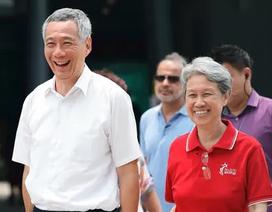 """Phu nhân Thủ tướng Singapore giải thích về mức lương """"khủng"""" của chồng"""