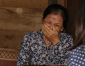 Cuộc sống bất hạnh của cô giáo khiến cha già 70 tuổi vác búa tạ đi phá đá kiếm tiền nuôi con