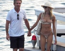 Dennis Quaid tươi tắn đi nghỉ mát cùng bạn gái kém 39 tuổi