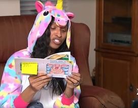 Mỹ: Cô hiệu trưởng lên facebook live kể chuyện đều đặn hàng tuần cho học sinh