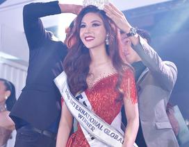 VĐV bóng chuyền Nguyễn Mỹ Huyền đăng quang Miss International Globe