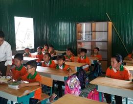 Gần 4.000 chiếc áo đồng phục tiếp sức học sinh vùng lũ đến trường