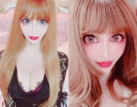 """Phát hoảng trước gương mặt của nữ người mẫu biến thành búp bê """"sống"""""""