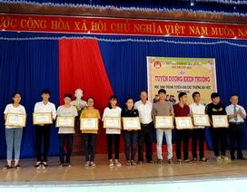 Xã nông thôn mới tuyên dương, khen thưởng tân sinh viên