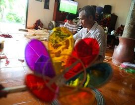 Người đàn ông hơn 40 năm làm đèn ông sư Trung thu ở Hà Nội