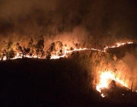 Gần 500 người 2 ngày vật lộn dập đám cháy rừng ở Phú Yên