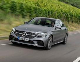 Triệu hồi 28.400 chiếc Mercedes-Benz C-Class vì nguy cơ rơi ắc-quy