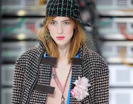 Đằng sau sự nghiệp của người mẫu chuyển giới nổi tiếng hàng đầu thế giới hiện nay