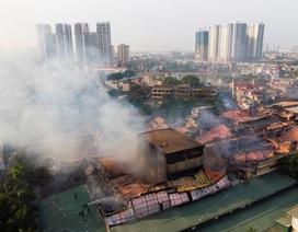 Cảnh đổ nát sau vụ cháy nhà máy bóng đèn Rạng Đông