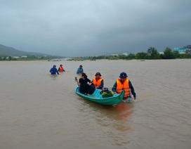 Tàu ra Phú Quốc ngừng chạy vì gió lớn, người dân lo tái diễn lụt lịch sử