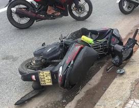 Con dâu chở mẹ chồng bằng xe máy lao vào cột biển báo giao thông tử vong