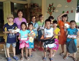 Cô giáo một buổi đi dạy, một buổi đội nắng đi xin sách cho học trò