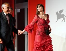 Monica Bellucci: 55 tuổi vẫn xinh đẹp hút hồn