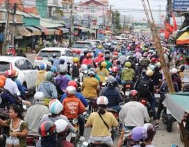 Đường trở lại TPHCM sau nghỉ lễ: Bến phà kẹt cứng, cao tốc thông thoáng