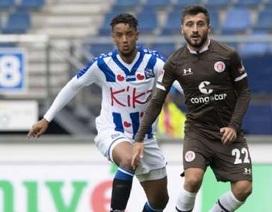 CLB Heerenveen từ chối hậu vệ của MU để mua… Văn Hậu