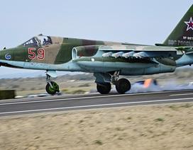 Máy bay chiến đấu Su-25 của Nga vỡ tan khi gặp nạn