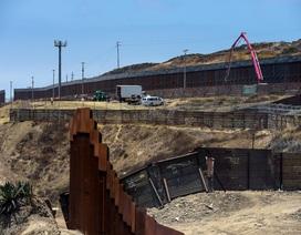 Kế hoạch xây tường biên giới của ông Trump đe dọa hơn 120 dự án quốc phòng