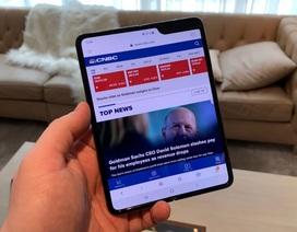 Samsung đang sản xuất điện thoại gập vuông, giá rẻ hơn Galaxy Fold