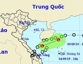 Áp thấp nhiệt đới suy yếu thành vùng áp thấp, miền Trung tiếp tục mưa to