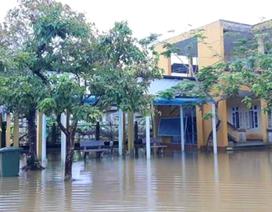 Thừa Thiên Huế: Hàng ngàn học sinh nghỉ học trước ngày khai giảng do ngập lụt