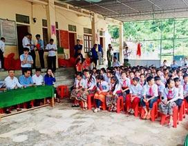 Khai giảng sớm ở ngôi trường khó khăn nơi vùng lòng hồ thủy điện Bản Vẽ