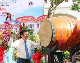 Nguyên Chủ tịch nước Trương Tấn Sang dự lễ khai giảng năm học mới ở Long An