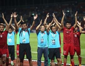 Hoà Thái Lan, đội tuyển Việt Nam tri ân cổ động viên