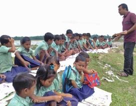 """Câu chuyện xúc động đằng sau lớp học """"màn trời, chiếu đất"""" ở Ấn Độ"""