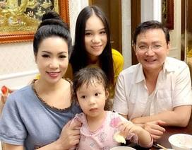 """Á hậu Trịnh Kim Chi: """"Vợ chồng tôi không muốn con gái làm diễn viên"""""""