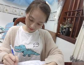 Nữ sinh bị liệt hai chân chinh phục ước mơ vào đại học