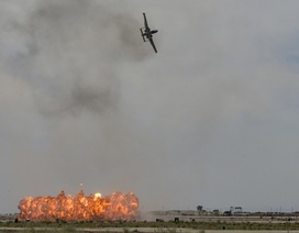 Hy hữu máy bay Mỹ phóng nhầm tên lửa chứa phốt pho trắng