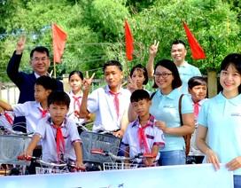 Trao tặng xe đạp, ba lô đến học sinh nghèo đầu năm học mới
