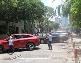 Thu phí ô tô dưới lòng đường: Tiền nhân công gấp 4 lần doanh thu