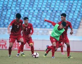 U22 Việt Nam làm quen sân thi đấu, sẵn sàng cho trận gặp U22 Trung Quốc