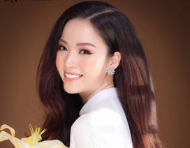 Hoa khôi Vũ Thanh Tú khoe nét duyên dáng trong tà áo trắng