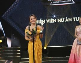 NSND Trung Anh bối rối, Bảo Thanh bật khóc khi nhận giải Diễn viên ấn tượng