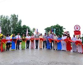 Khánh thành cây cầu thứ 2 xây bằng nắp chai bia tái chế tại An Giang