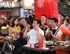 """""""Vua bia"""" thượng hạng Budweiser trao tấm vé đầu tiên đưa fan Việt đến Anh gặp vua ngoại hạng"""