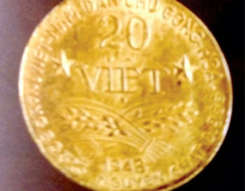Trao tặng 9 đồng tiền vàng phiên bản Đồng tiền vàng bản vị