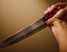 Mâu thuẫn cá nhân, rút dao đoạt mạng người khác ngay trong bữa cơm
