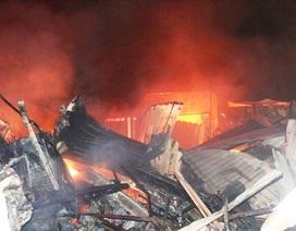 Vài chục tỷ đồng ra tro sau đám cháy lớn ở chợ Mộc Bài